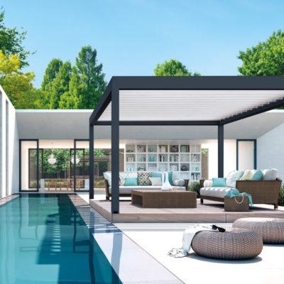 Lamellendach an einem Pool